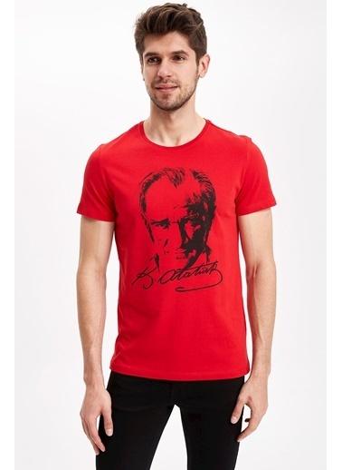 DeFacto Atatürk Baskılı T-Shirt Kırmızı